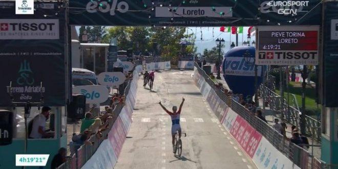 Tirreno-Adriatico 2020, Van Der Poel beffa Fabbro a Loreto