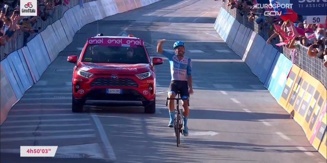 Giro d'Italia 2020, assolo di Dowsett a Vieste. Yates positivo al coronavirus