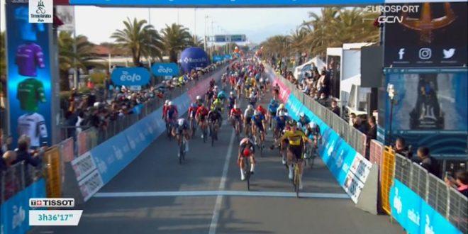 Tirreno-Adriatico 2021, Van Aert meglio dei velocisti a Camaiore