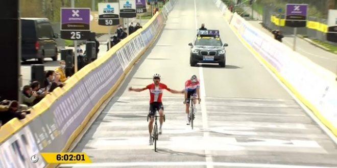Giro delle Fiandre 2021, Asgreen guastafeste: batte Van Der Poel e trionfa a Oudenaarde