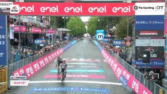 Giro d'Italia 2021, arriva la fuga a Gorizia: primo Campenaerts