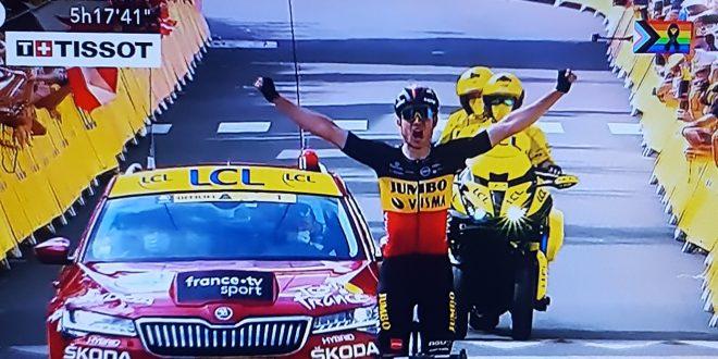 Tour de France 2021, Van Aert compie l'impresa sul Mont Ventoux. Pogacar scricchiola, ma resiste