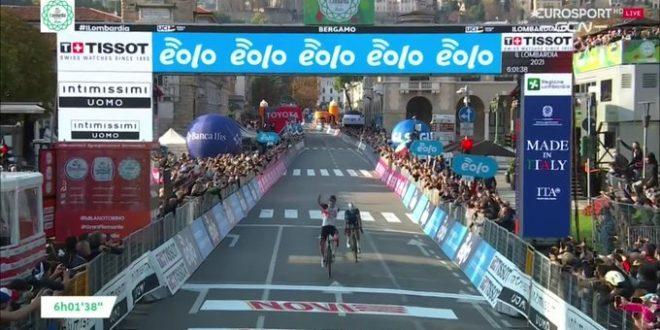 Il Lombardia 2021, Pogacar in trionfo davanti a Masnada
