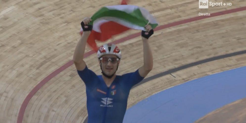 Roubaix 2021, capolavoro mondiale di Viviani: campione del mondo! Madison d'argento